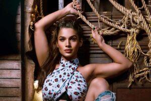Naina Singh Cover Image
