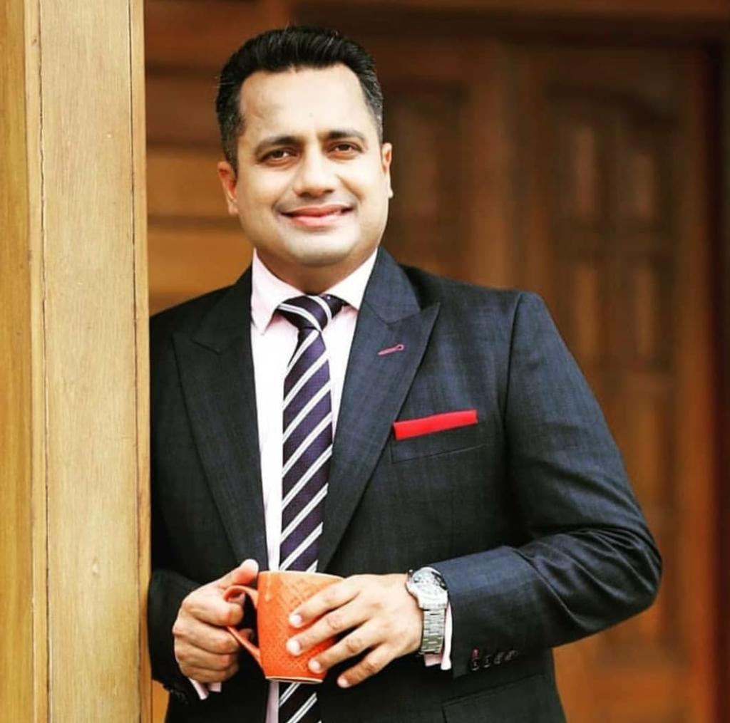 Dr. Vivek Bindra Style