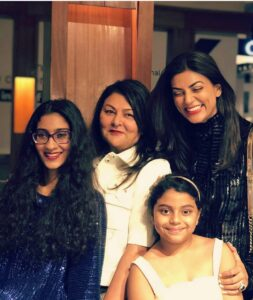 Sushmita with her mother and daughters