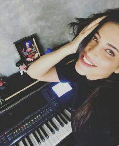 Shruti Haasan piano