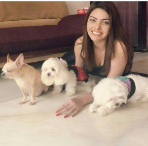 Sherlyn chopra pet dogs