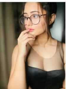 rashami desai wears spectacles