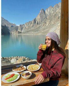 Iqra Aziz food habit