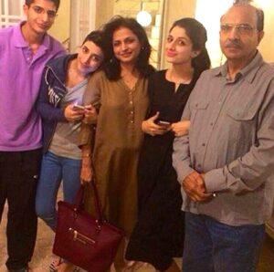 Mawra Hocane family