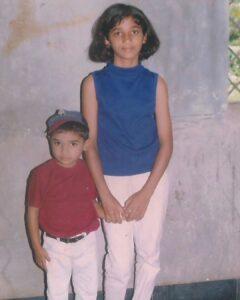 Divya Uruduga childhood pic