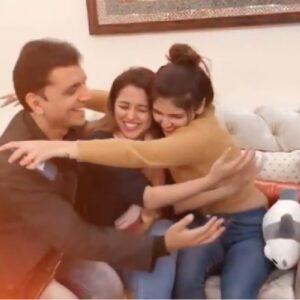 Ashi Khanna family parents