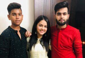 Priyal Mahajan siblilngs brothers