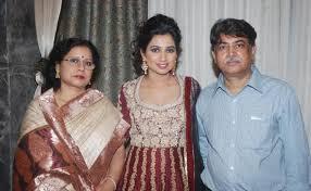 Shreya Ghoshal parents